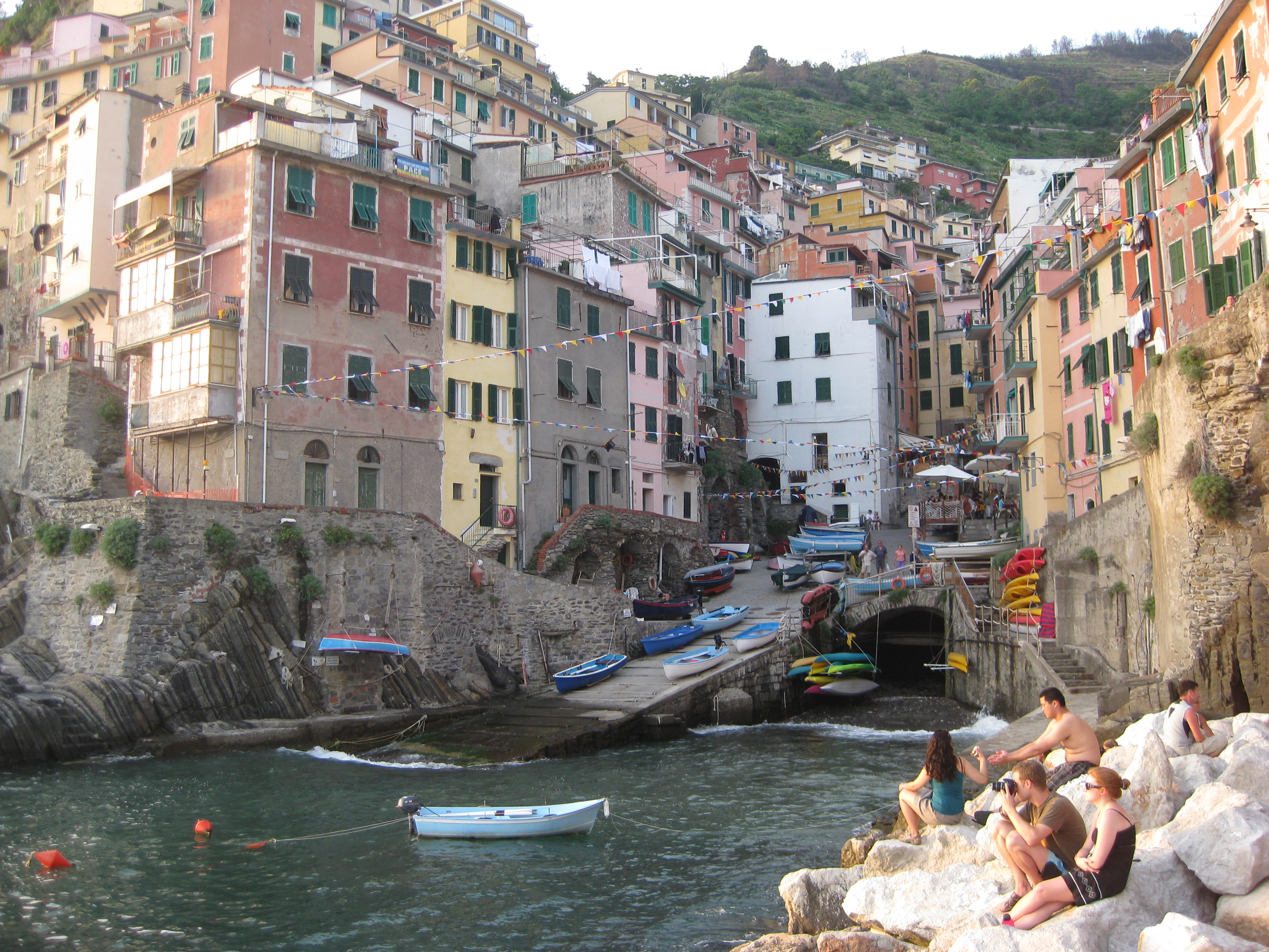 the five best things to do in cinque terre | techies roving